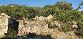 Karini öreg falu