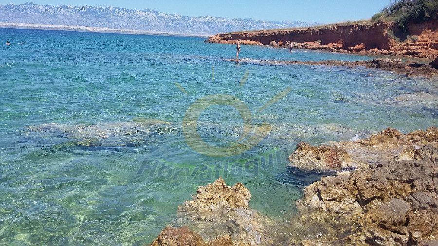 Vir sziget vörös sziklák