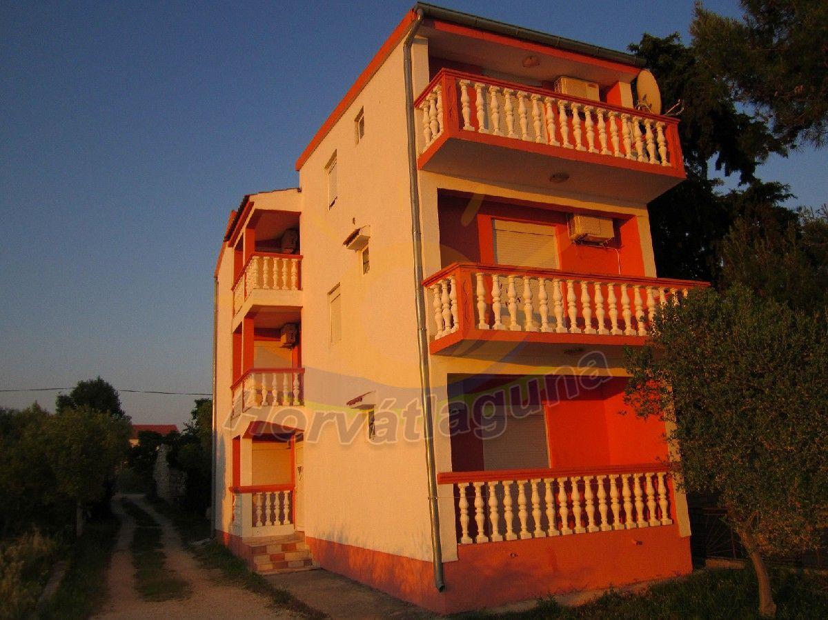 Laura ház földszint 2+1 fős apartman