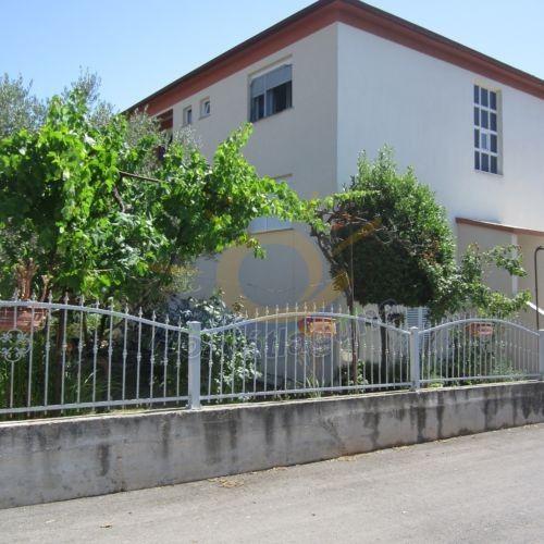 Manuella apartmanház