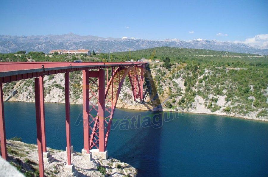Bungee jumping ugrás a Maslenica hídról