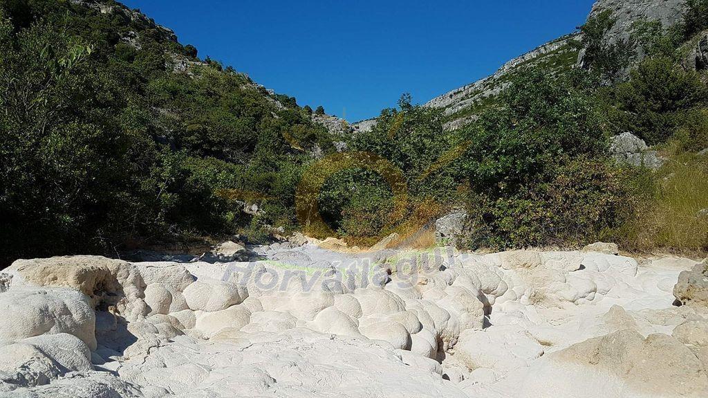 Bijela a fehér folyó